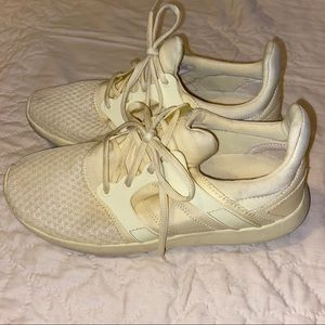 Jessica Simpson Nalicia Yellow athletic shoes 8.5